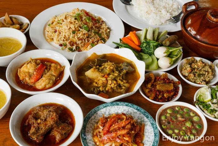 ヤンゴンで伝統的ミャンマー料理のお洒落レストラ …