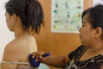 ミャンマーの伝統治療院で、ハーブのパワー(ハーバルボール)に癒される!