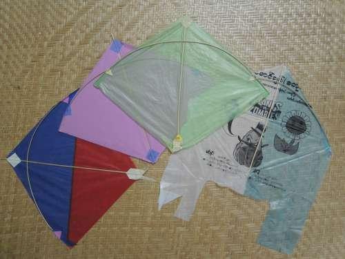 「ミャンマー製の凧」をビーチで揚げたら・・・!